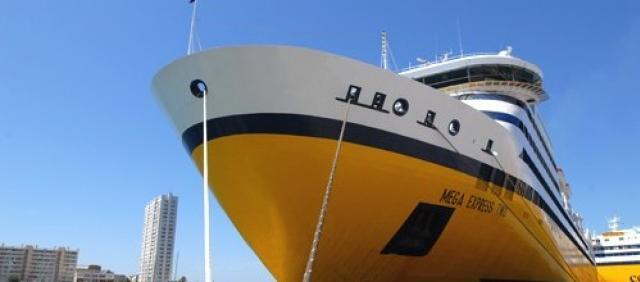 Fähre Sardinia Ferries Mega Express Bugansicht