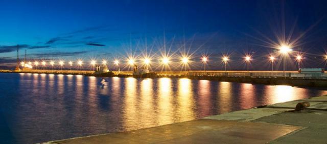 Piombino Hafen bei Nacht