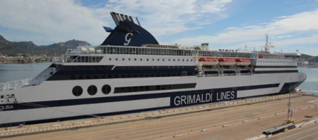 Fähre Grimaldi Lines in Olbia