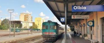 IMG Bus und Bahn auf Sardinien – Strecken, Preise und Tipps
